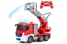 Double E Mercedes Fire Truck 1:26