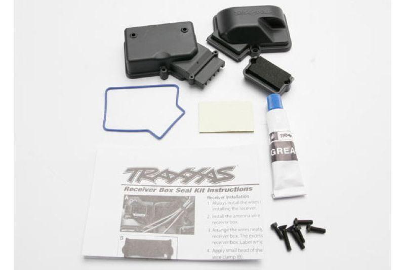 Запчасти для радиоуправляемых моделей Traxxas TRAXXAS Box, receiver (sealed): foam pad: silicone grease:2.5x8mm BCS (2): 3x10mm CCS 3x15mm (2)