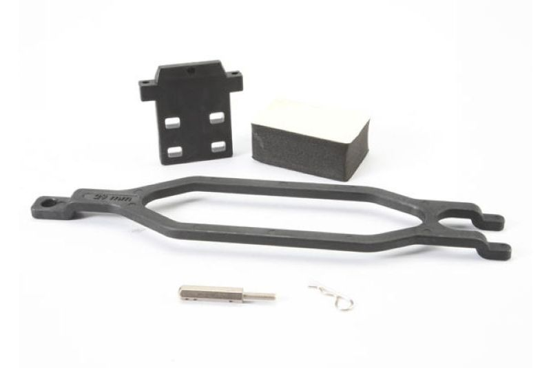Запчасти для радиоуправляемых моделей Traxxas TRAXXAS Hold down, battery: hold down retainer: battery post: foam spacer: angled body clip (allows for inst