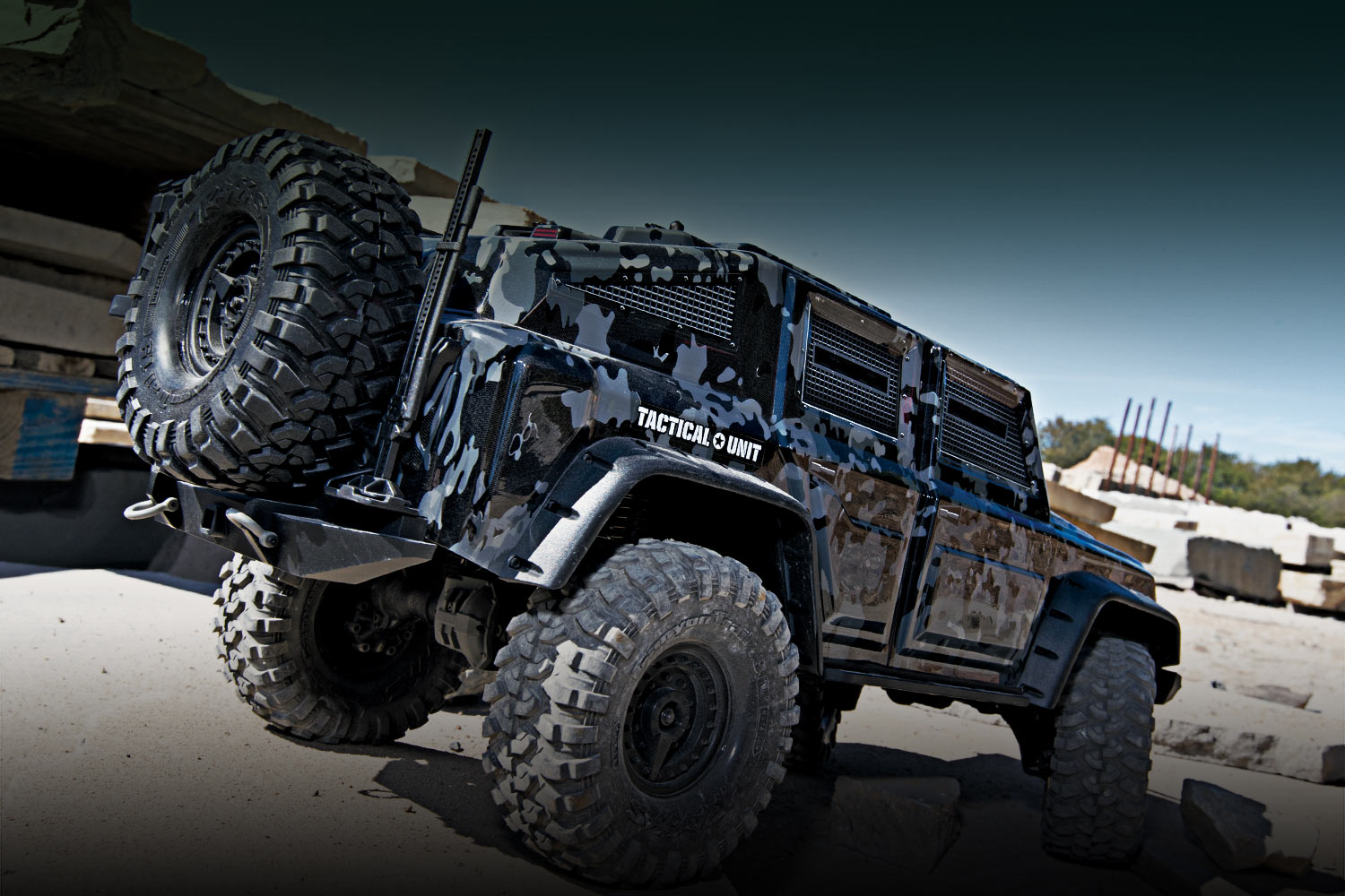 Traxxas TRX-4 Tactical Unit 82056-4