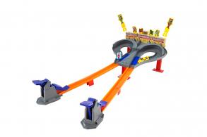HC-Toys Игровой набор Hot Wheels Супер гонка CDL49